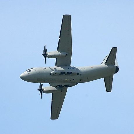 Kho mua C-130, Viet Nam co the chon may bay C-27J? - Anh 8