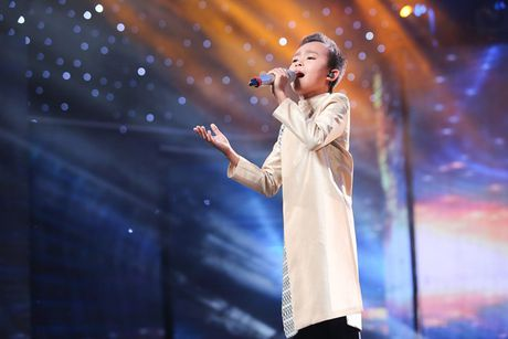 Vietnam Idol Kids: Ho Van Cuong khien giam khao 'rung roi' - Anh 1