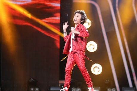 Vietnam Idol Kids: Ho Van Cuong khien giam khao 'rung roi' - Anh 4