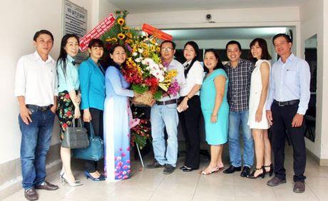 Lanh dao TP HCM tham va chuc mung Van phong dai dien Bao Hanoimoi - Anh 1