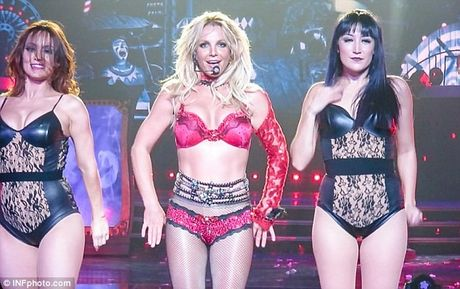 """Britney Spears ngay cang """"lay lai phong do"""" - Anh 2"""