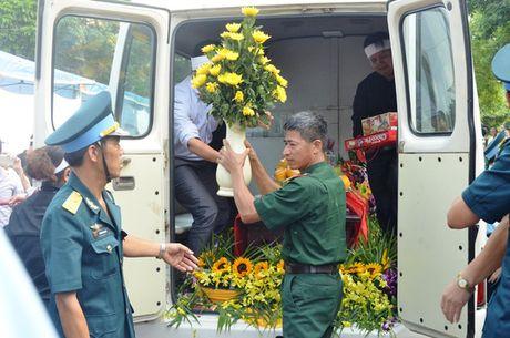 Oa khoc don dai ta phi cong Tran Quang Khai - Anh 2