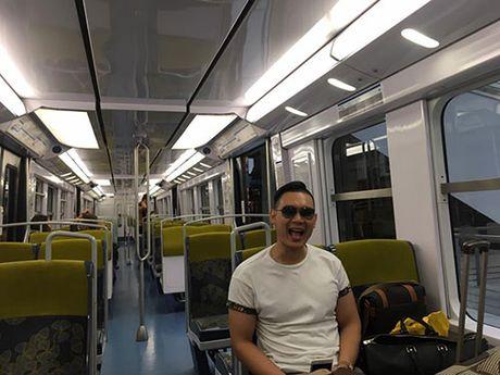 Du giau, HH Ky Duyen va ban trai dai gia van lo viec di Phap - Anh 4