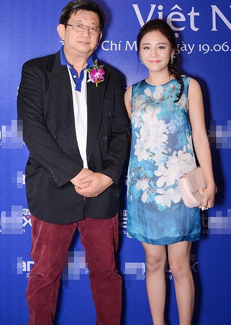 Hoa hau Diem Huong ket tay hinh trai tim voi Van Mai Huong - Anh 10