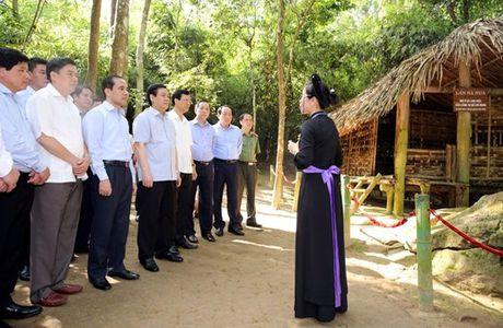 Tuyen Quang phai phan dau di dau khu vuc ve cai thien moi truong dau tu kinh doanh - Anh 6