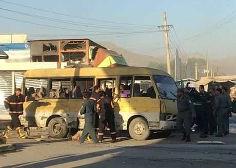 Afghanistan: 20 thiet mang trong mot loat vu danh bom - Anh 1