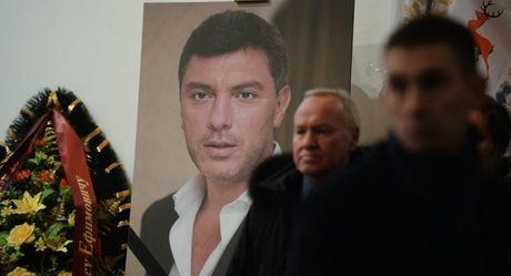 Nga cong bo vu khi da sat hai chinh tri gia doi lap Boris Nemtsov - Anh 1