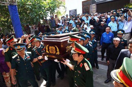 Le tang phi cong Tran Quang Khai: Anh da ve trong vong tay que huong - Anh 12