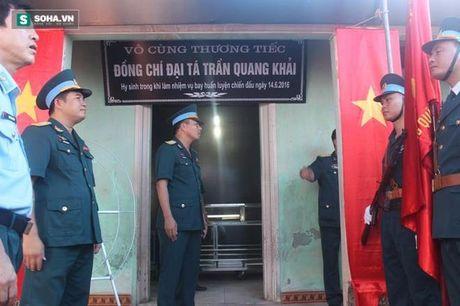Le tang phi cong Tran Quang Khai: Anh da ve trong vong tay que huong - Anh 14