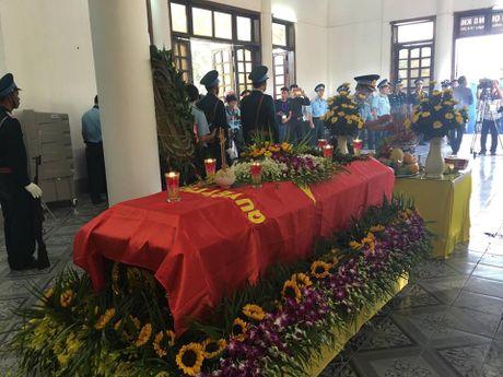 Le tang phi cong Tran Quang Khai: Anh da ve trong vong tay que huong - Anh 3