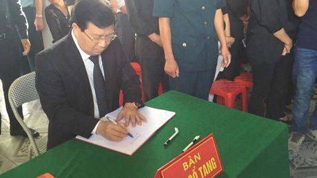 Le tang phi cong Tran Quang Khai: Anh da ve trong vong tay que huong - Anh 5