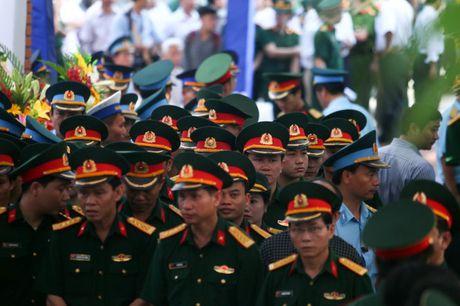 Le tang phi cong Tran Quang Khai: Anh da ve trong vong tay que huong - Anh 7