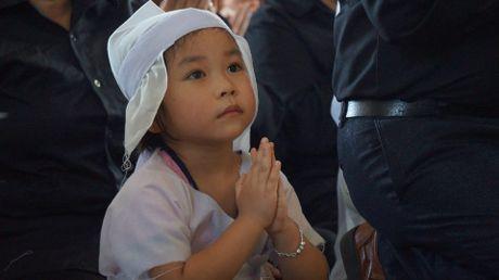 Le tang phi cong Tran Quang Khai: Anh da ve trong vong tay que huong - Anh 8