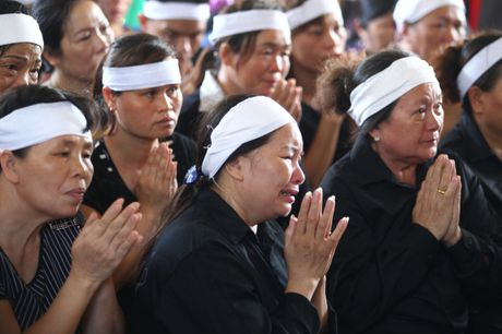 Le tang phi cong Tran Quang Khai: Anh da ve trong vong tay que huong - Anh 9
