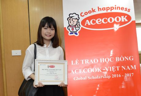 Acecook Viet Nam trao 60 suat hoc bong cho sinh vien - Anh 4