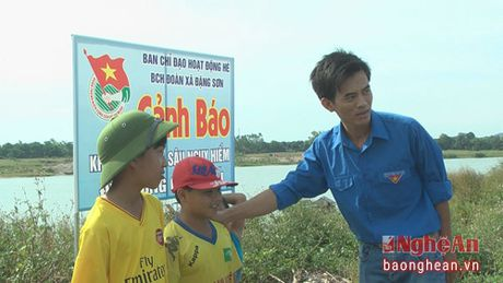 Cam 200 bien canh bao nguy bien duoi nuoc - Anh 1