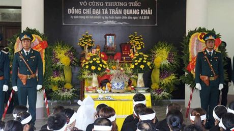 "Le truy dieu Dai ta phi cong Su-30 Tran Quang Khai: ""Con nho ba!"" - Anh 1"