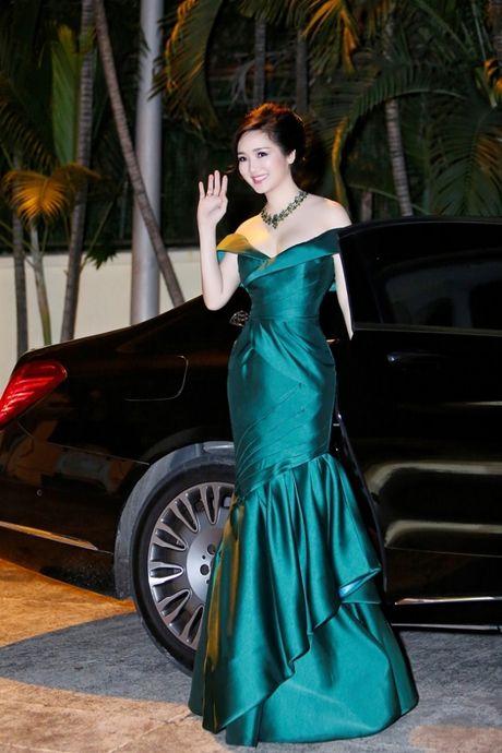 Hoa hau Giang My khoe lan da trang khong ty vet - Anh 4