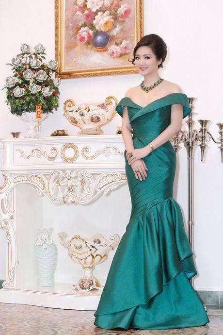 Hoa hau Giang My khoe lan da trang khong ty vet - Anh 6