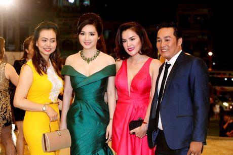 Hoa hau Giang My khoe lan da trang khong ty vet - Anh 8