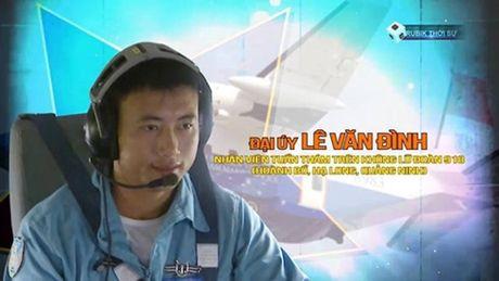 Vo, me phi cong may bay CASA 212 mon moi cho tin chong, con - Anh 1