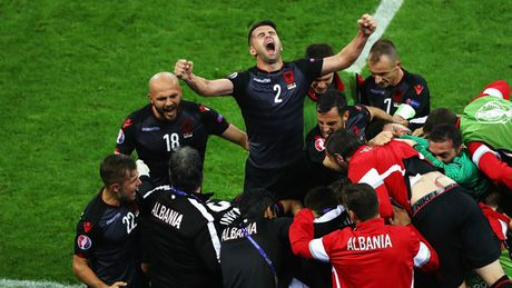 Nhung khoanh khac an tuong nhat o ngay thu 10 EURO 2016 - Anh 16