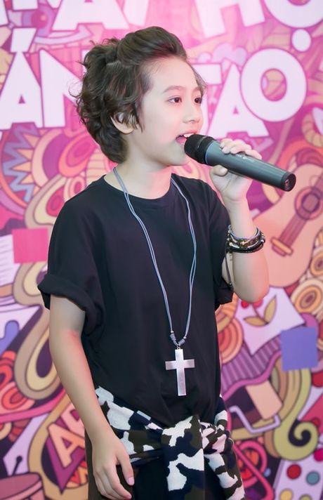 'Soai ca nhi' Idol Kids duoc co vu khi hat hit cua Son Tung - Anh 4