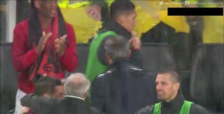 Mourinho, lanh lung va dang cap - Anh 2
