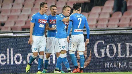 Goc Napoli: Doi thay doi khi ta thay doi - Anh 2