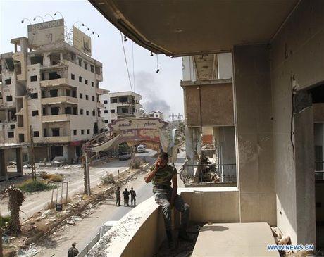 Anh: Quan doi Syria an mung chien thang tai thi tran Daraya - Anh 3