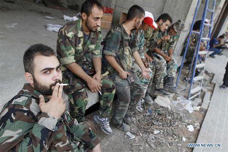 Anh: Quan doi Syria an mung chien thang tai thi tran Daraya - Anh 4