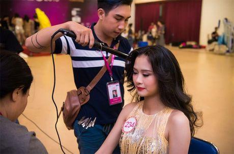 Thi sinh Hoa hau Viet Nam 2016 dep ruc ro trong hau truong - Anh 6