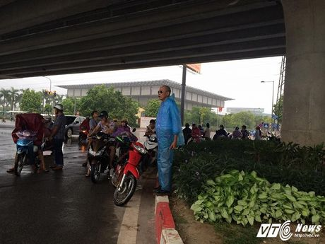 Tram kieu tranh mua cua nguoi Ha Noi trong dot khong khi lanh dau tien - Anh 6