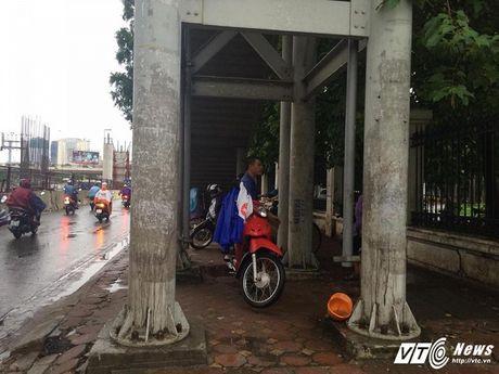 Tram kieu tranh mua cua nguoi Ha Noi trong dot khong khi lanh dau tien - Anh 7