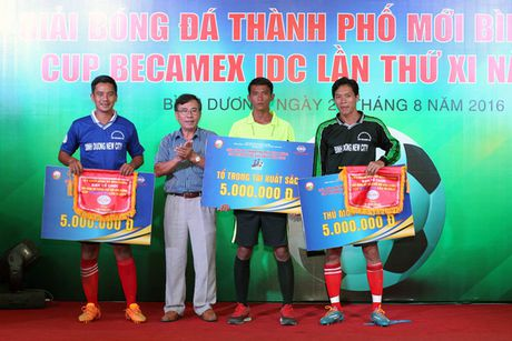 Binh Hoa TPK vo dich Cup Becamex IDC 2016 - Anh 3