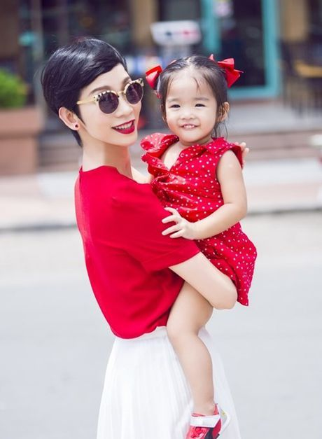 """Cuoc song giau sang khong tuong cua cac """"singer mom"""" showbiz Viet - Anh 6"""