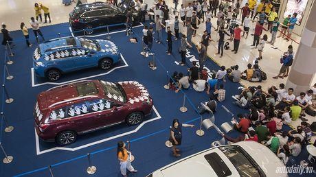 Dat tay len xe Subaru, 10 nguoi Viet sang Singapore tranh giai 1,3 ty dong - Anh 1