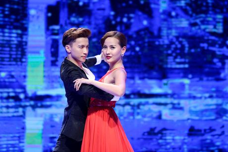 The Face Tap 11: Cuoi cung Ha Ho da tra het no nan cho Pham Huong - Anh 4