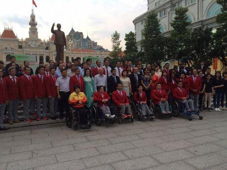 Le xuat quan doan TTNKT Viet Nam tham du Paralympic, Rio 2016 - Anh 2