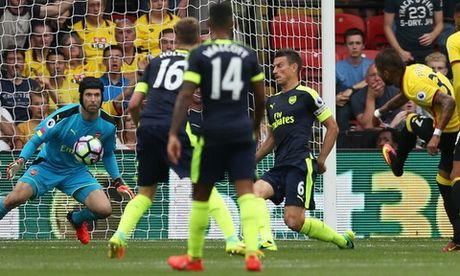 Vi sao Cech khong hai long du Arsenal thang dam? - Anh 1