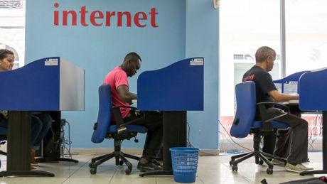 Bi an he thong internet tai Cuba - Anh 2