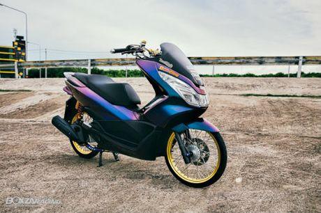 Ngam Honda PCX 150 do vang sieu dat cua 'dan choi' - Anh 1