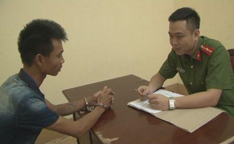 Quang Ninh: Gia vo dung xe, gay ra 8 vu cuop xe may dat tien - Anh 1