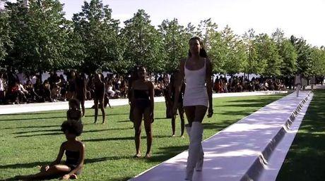 Kanye West ra mat bo suu tap Yeezy Season 4 ket hop cung Adidas - Anh 16