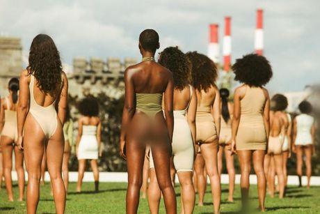 Kanye West ra mat bo suu tap Yeezy Season 4 ket hop cung Adidas - Anh 3