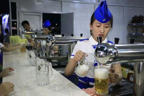 Nhung hinh anh Kim Jong-un khong muon de lot ra ngoai bien gioi Trieu Tien - Anh 12