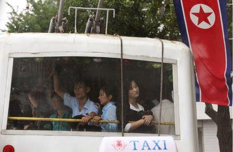 Nhung hinh anh Kim Jong-un khong muon de lot ra ngoai bien gioi Trieu Tien - Anh 3
