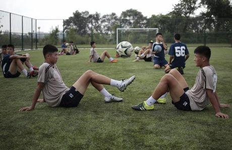 Nhung hinh anh Kim Jong-un khong muon de lot ra ngoai bien gioi Trieu Tien - Anh 6