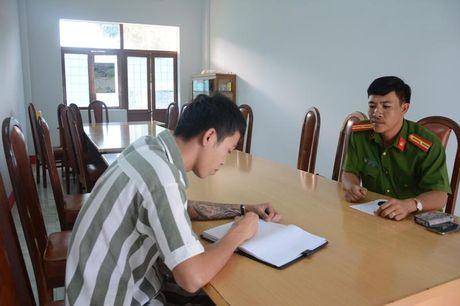 Trai giam Dak Trung, nhung nguoi con o lai - ky 1: 'Toi khong dam ve me' - Anh 3