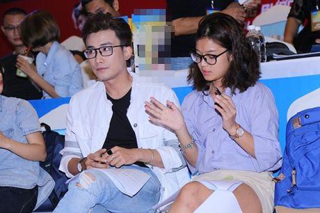 Hoang Thuy Linh hat nhay goi cam nao loan pho dong - Anh 10